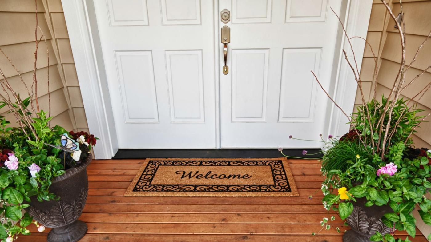 What Are the Differences Between Fiberglass Doors and Steel Doors?
