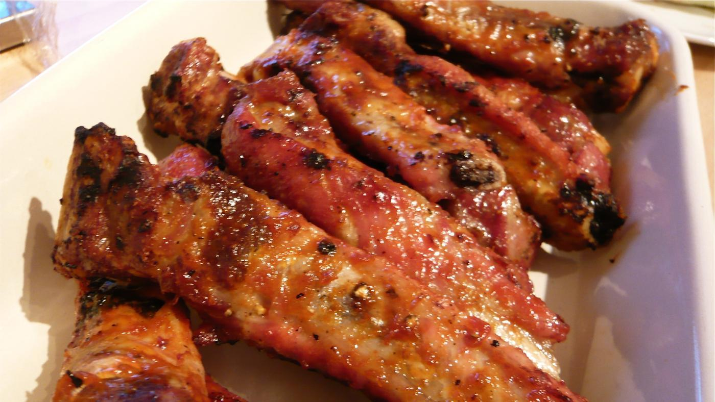 What Dishes Go Best With Country-Style Ribs?