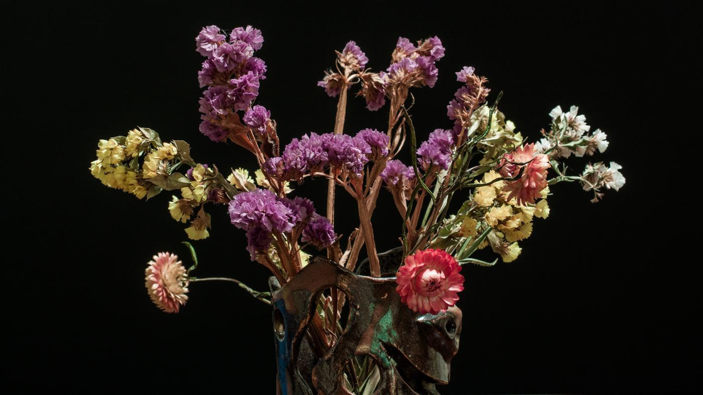 How Do You Dry Flowers?