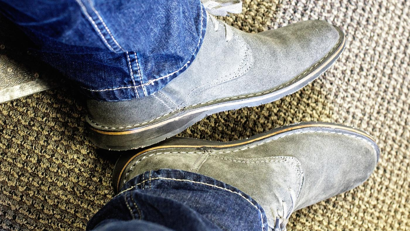 How Do You Dye Suede Shoes?
