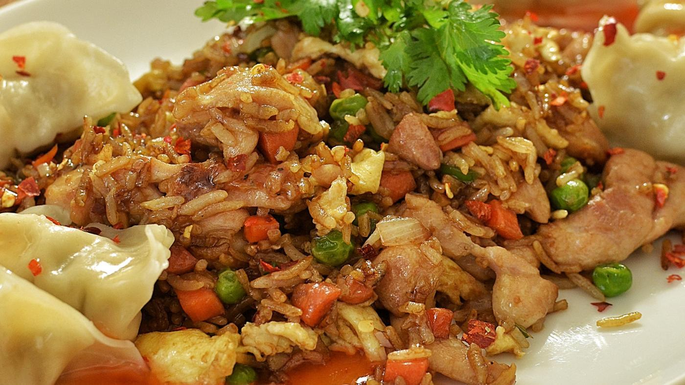 What Is an Easy Recipe for Chicken Fried Rice?