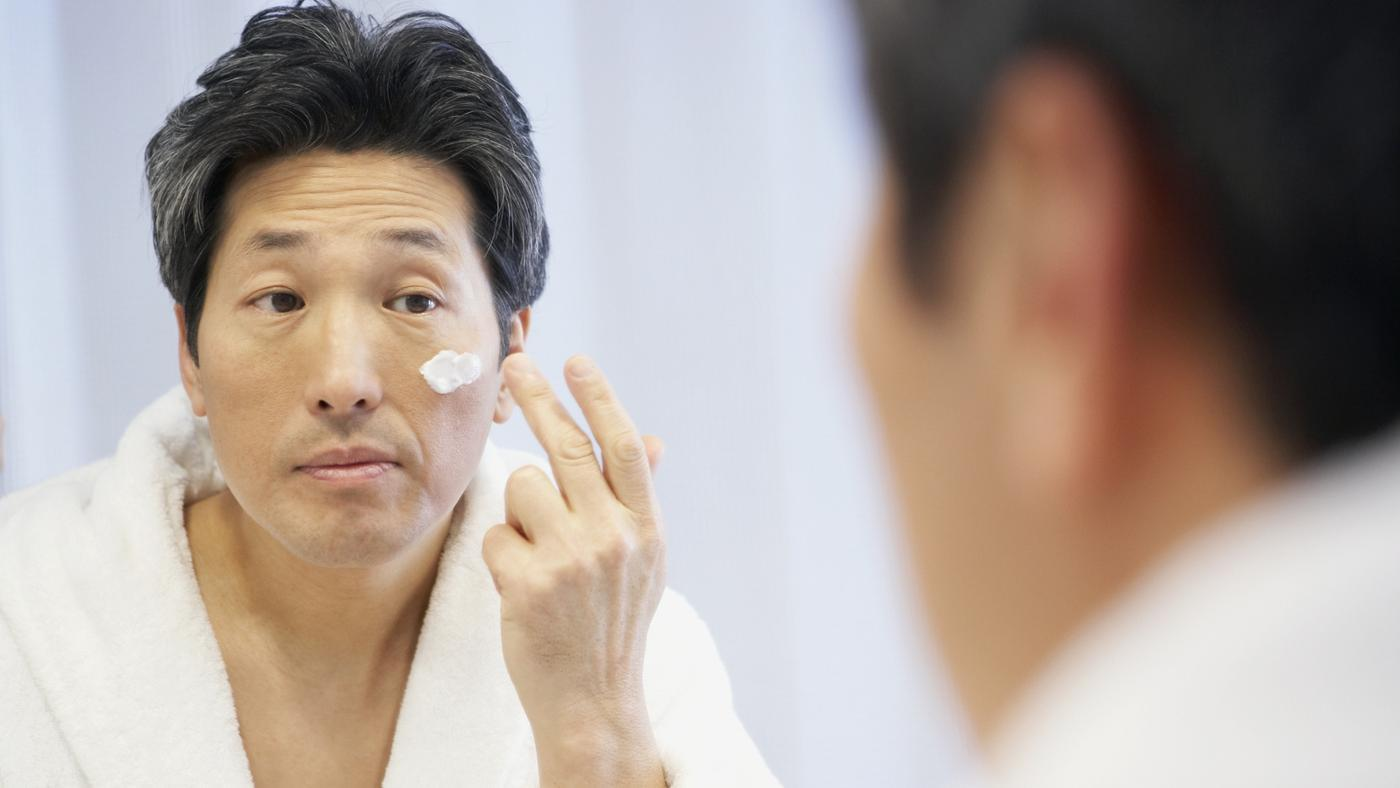 What Is the Best Face Lotion for Men?