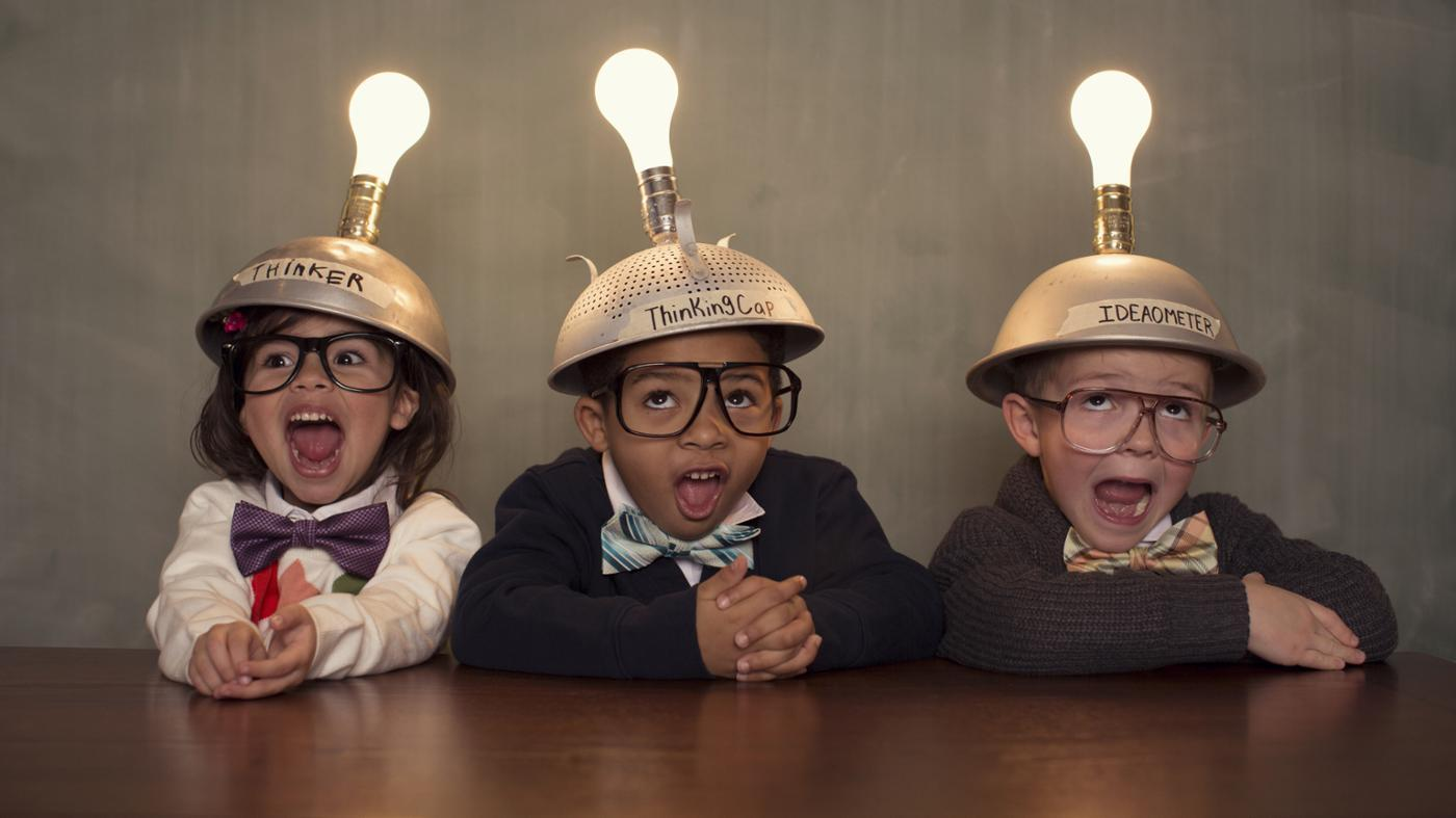 What Are Some Facts About Incandescent Light Bulbs?