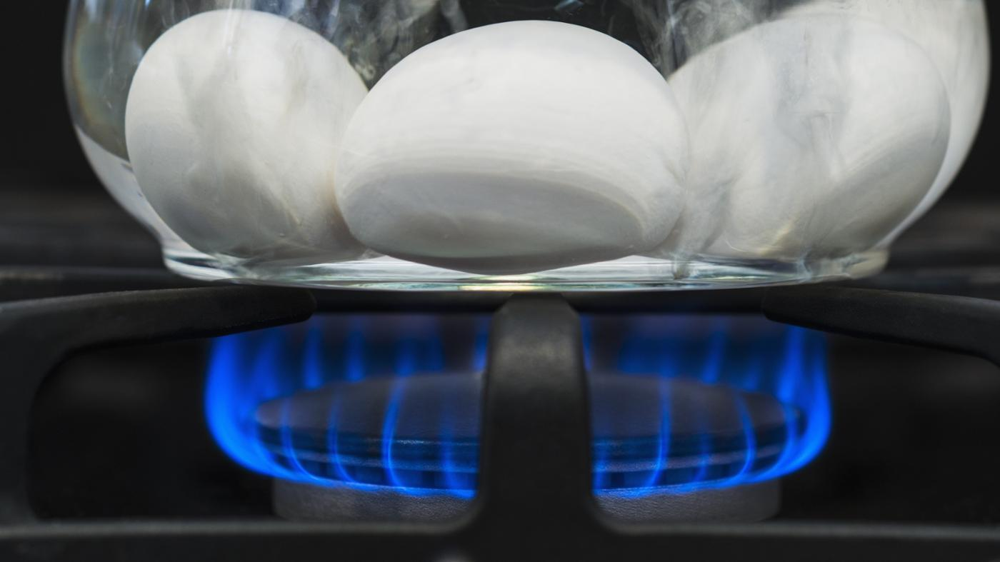 How Does a Gas Stove Work?
