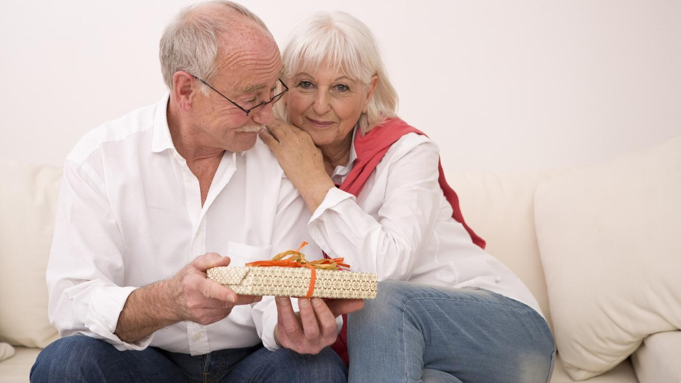 What Gifts Are Suitable for a 39th Wedding Anniversary?