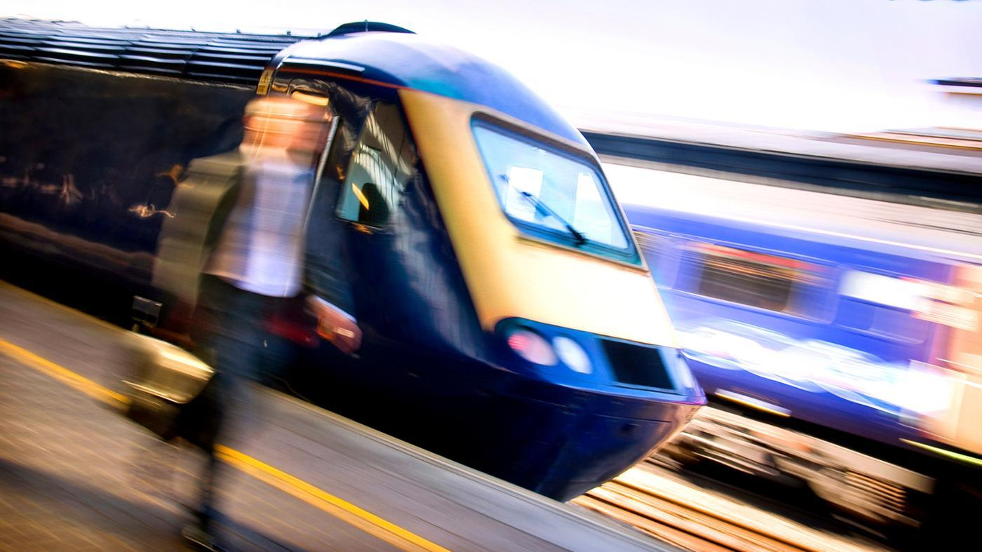 How Do Electric Trains Work?