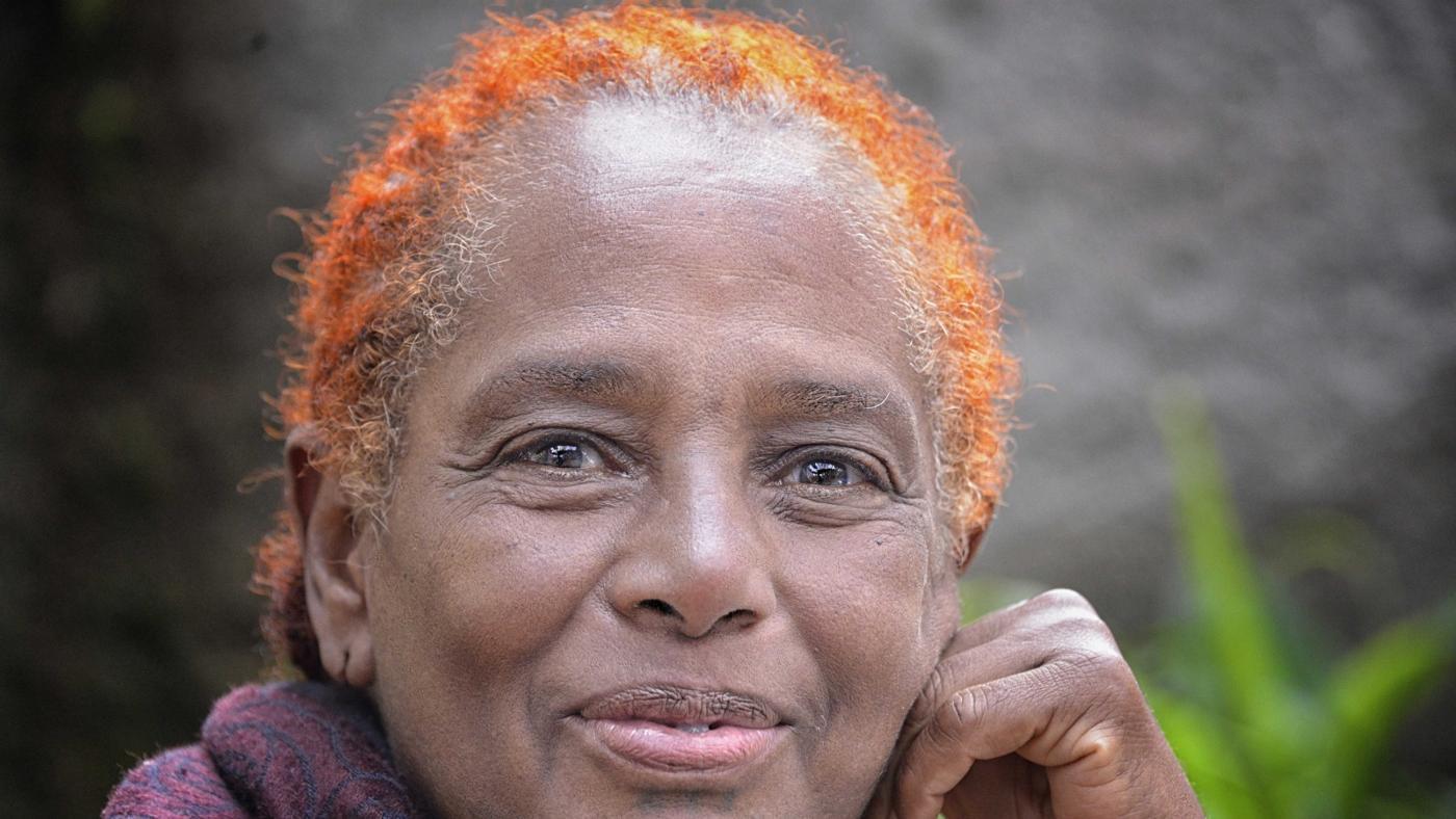 How Long Does Henna Hair Dye Last?