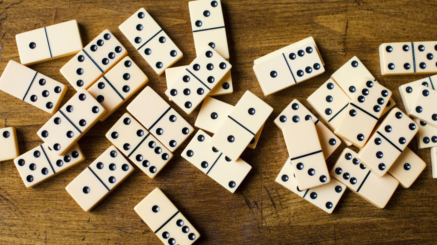 How Many Dominoes Are in a Standard Set?
