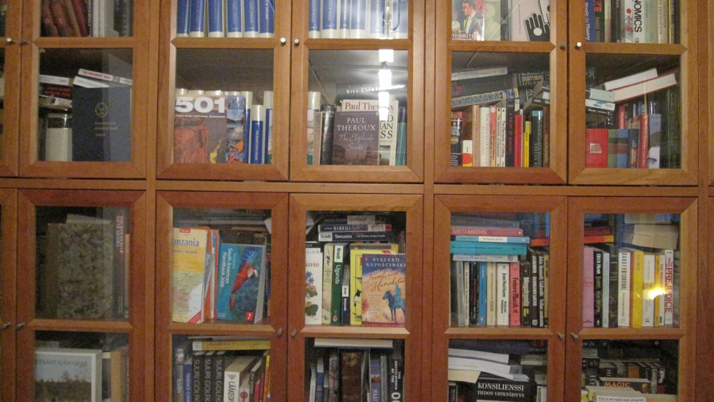 How Do You Buy Bookcases With Glass Doors?