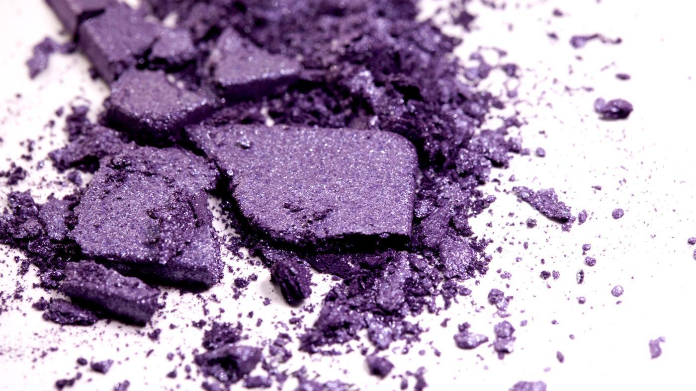 How Do I Make Purple Eye Shadow?