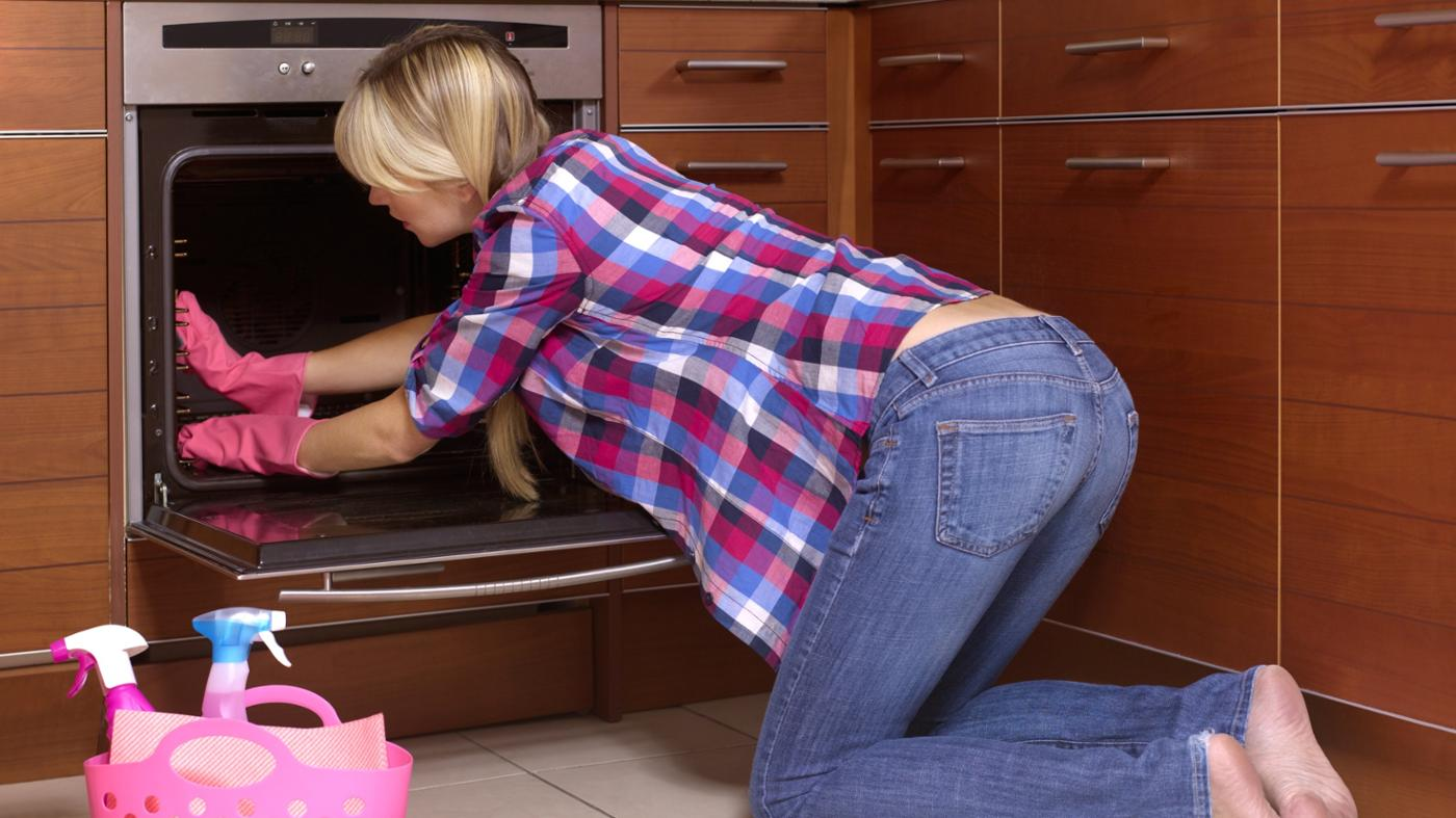 What Are the Instructions for Cleaning a Whirlpool Oven?