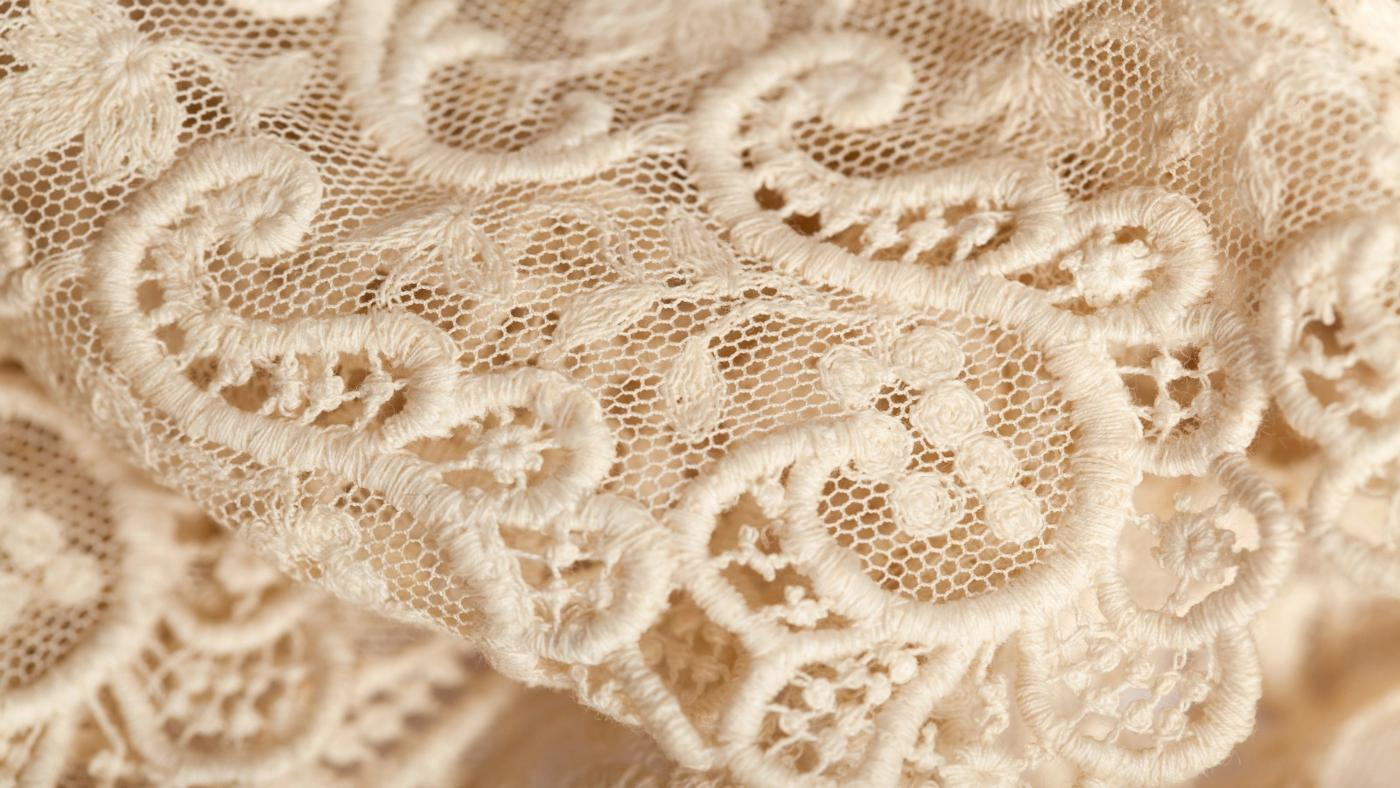 What Are Some Lace Craft Ideas?