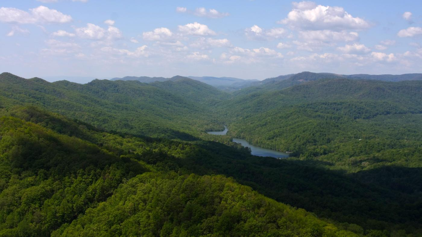 What Are Some Major Landforms in Kentucky?