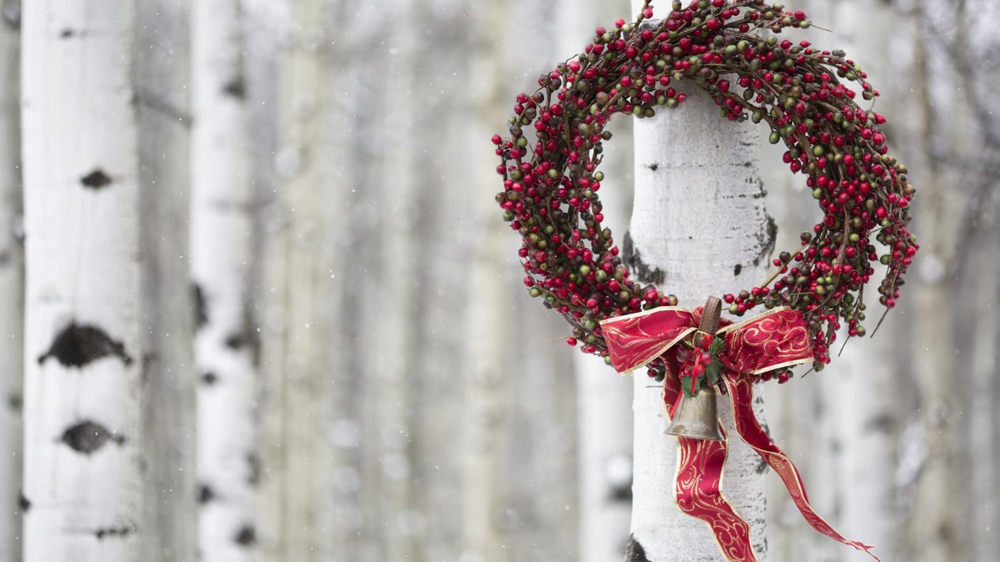 How Do You Make Bows for Wreaths?