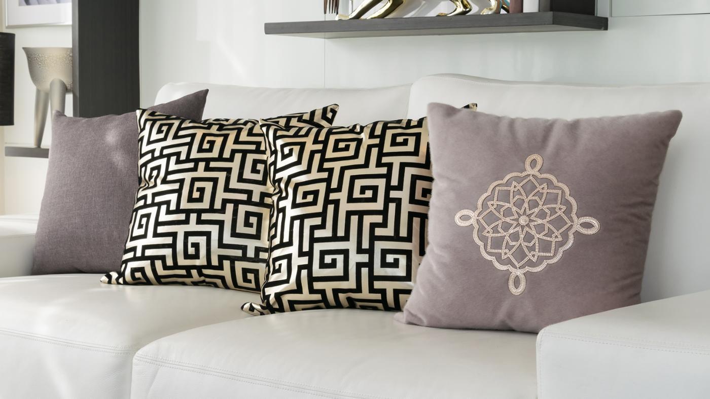 How Do You Make a Decorative Pillow Yourself?