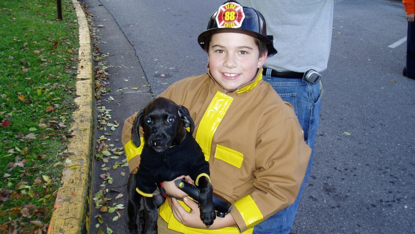 How Do You Make a Fireman Costume?