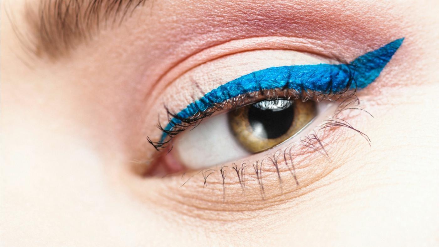 How Do You Make Homemade Liquid Eyeliner?
