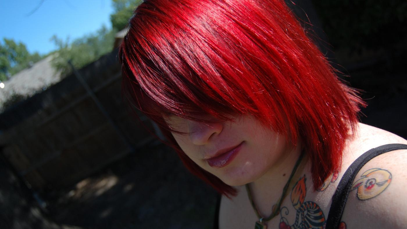 How Do You Make Red Hair Dye Fade Faster?