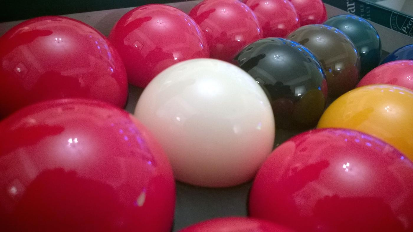 How Many and What Color Snooker Balls Are Used in a Game of Snooker?
