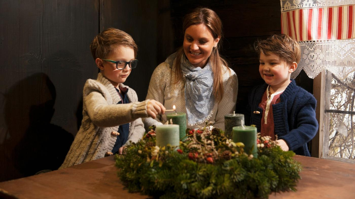 What Is the Meaning of a Christmas Advent Wreath?