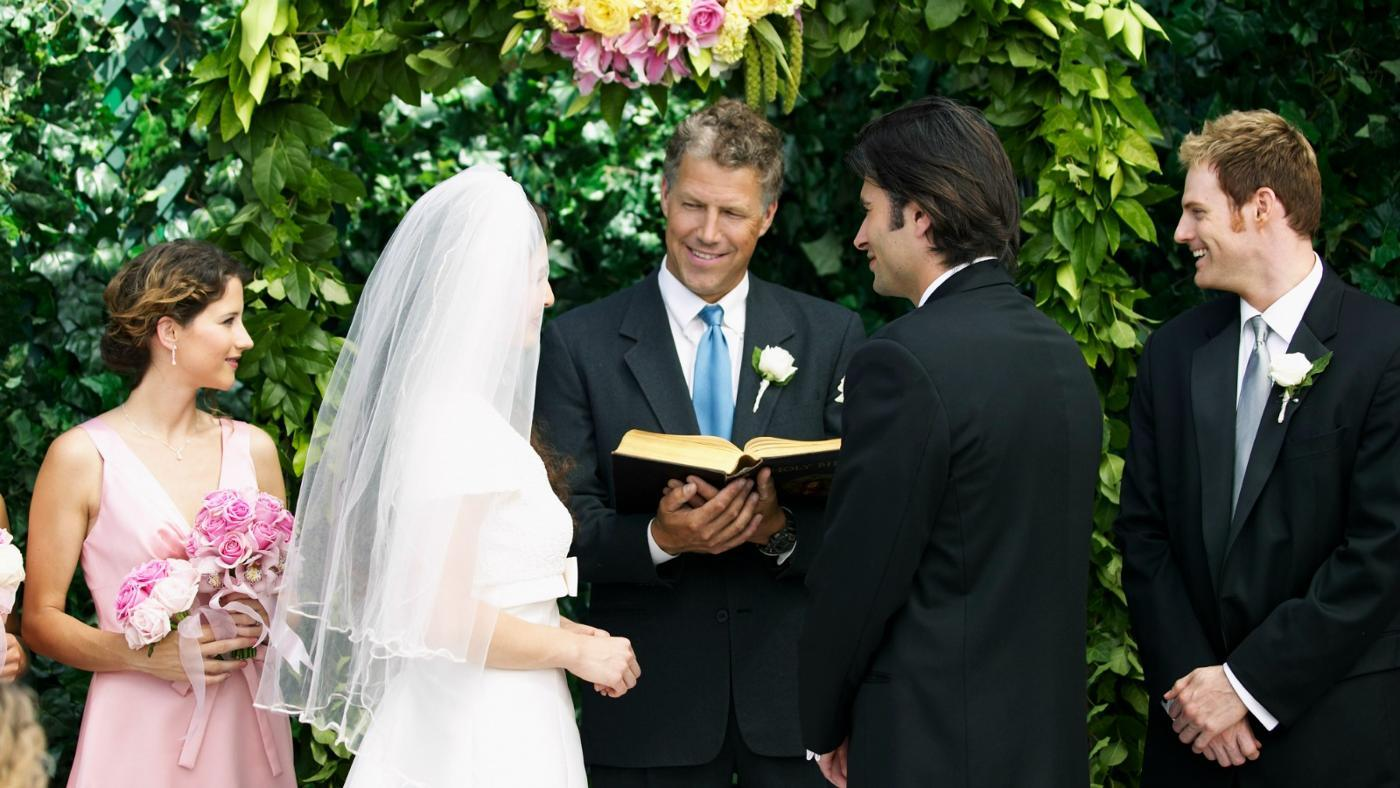 What Does a Minister Say at a Wedding?