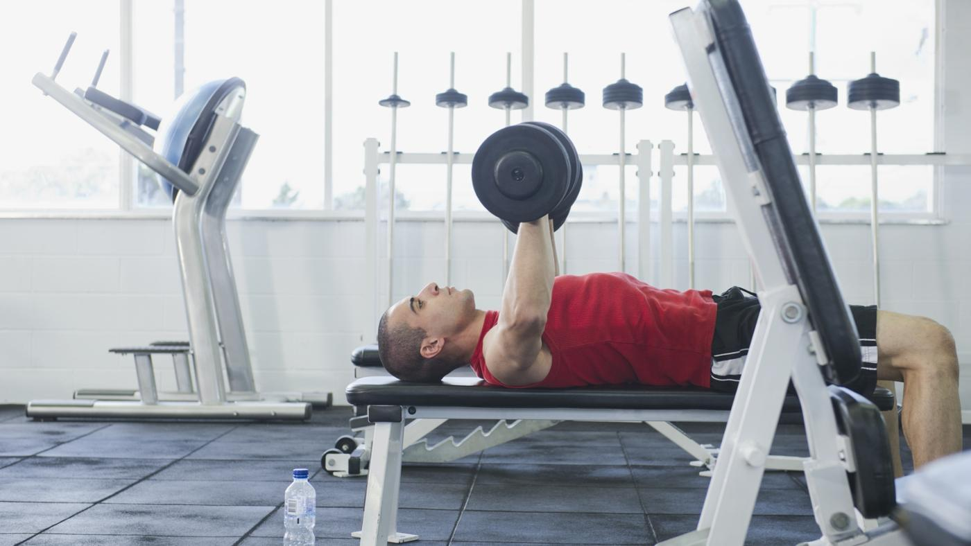How Much Should You Be Able to Bench Press According to Your Weight?