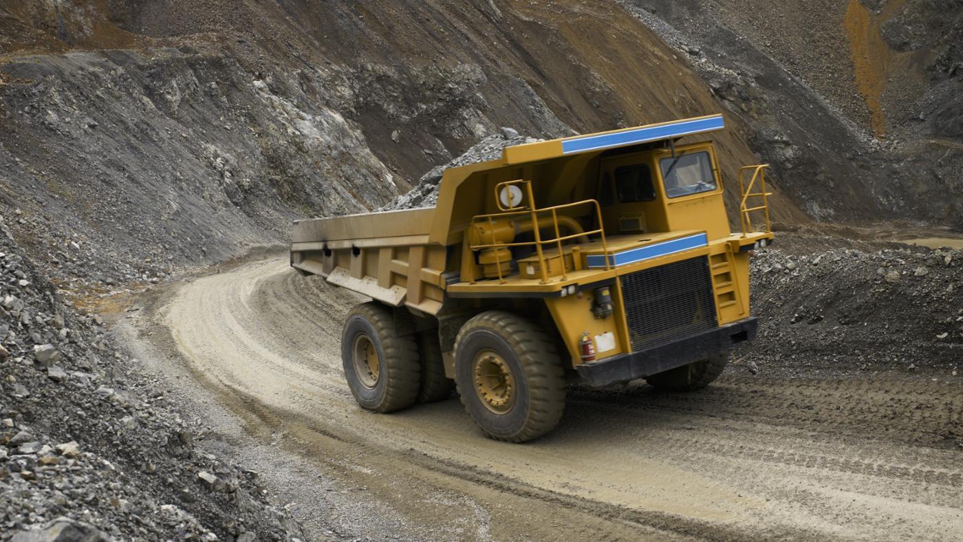 How Much Weight Can a Dump Truck Carry?
