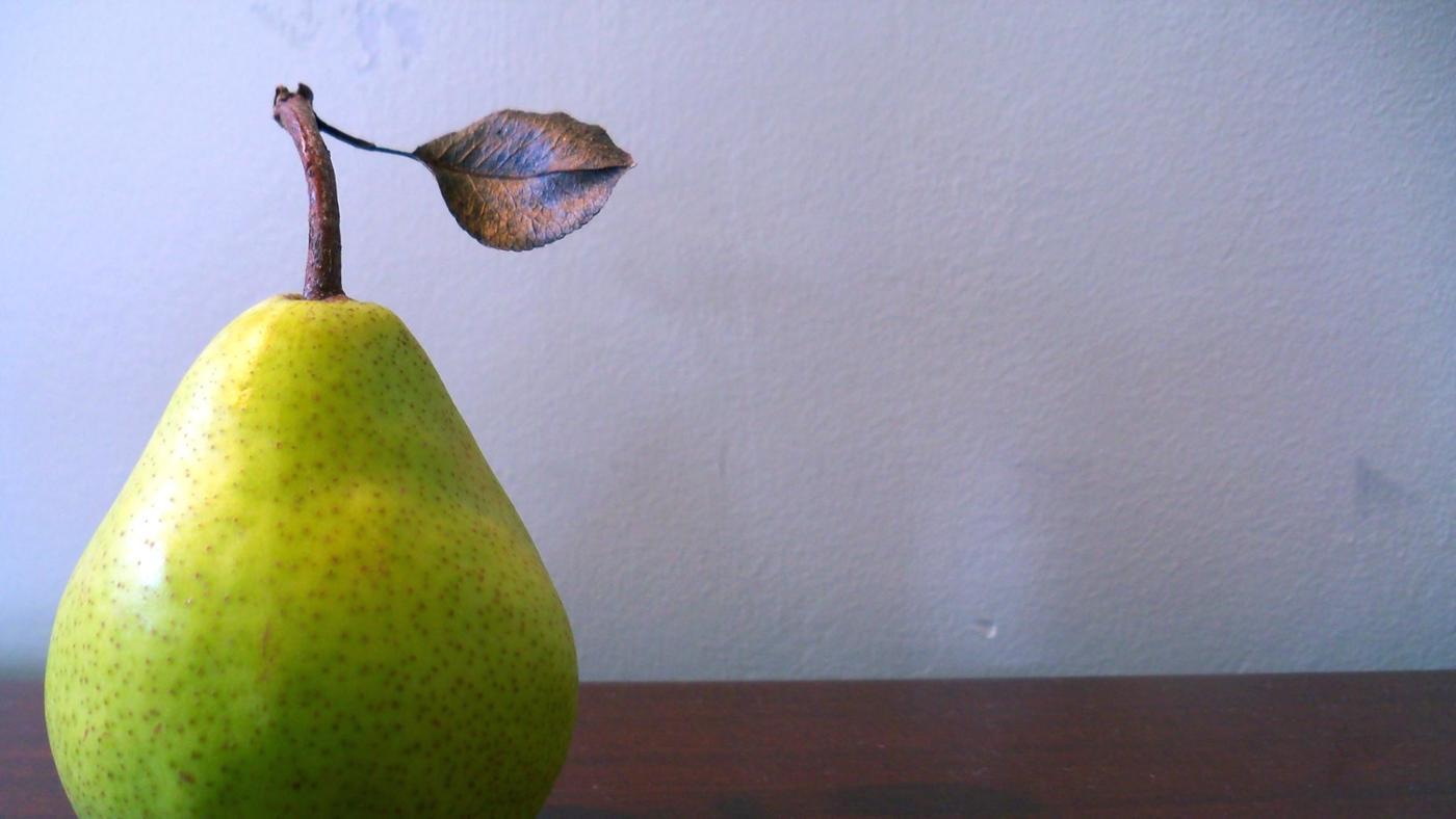 Why Do Pear Leaves Turn Black?
