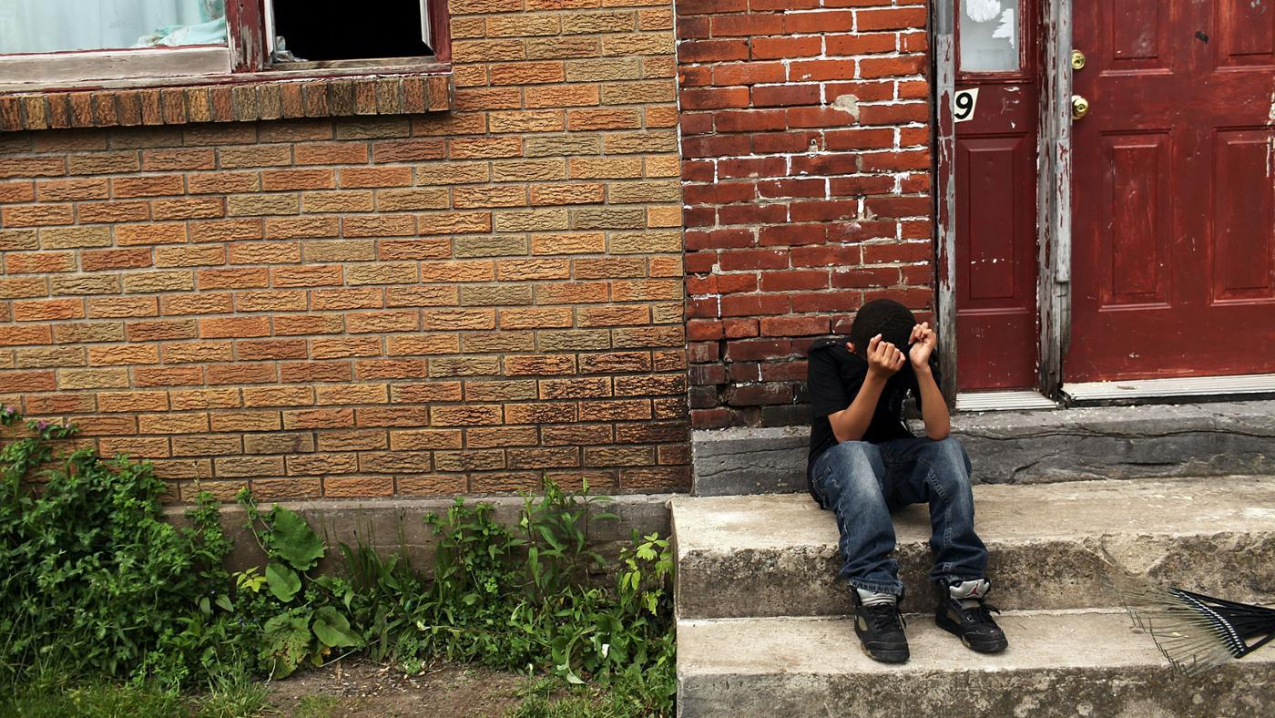 How Does Poverty Affect Juvenile Delinquency?
