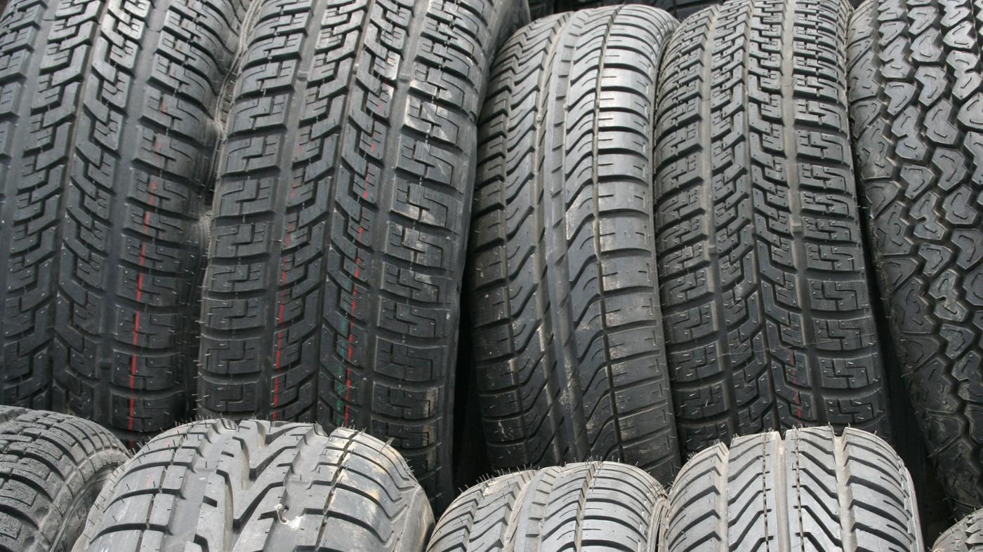 How Do You Read a Car Tire Size Chart?