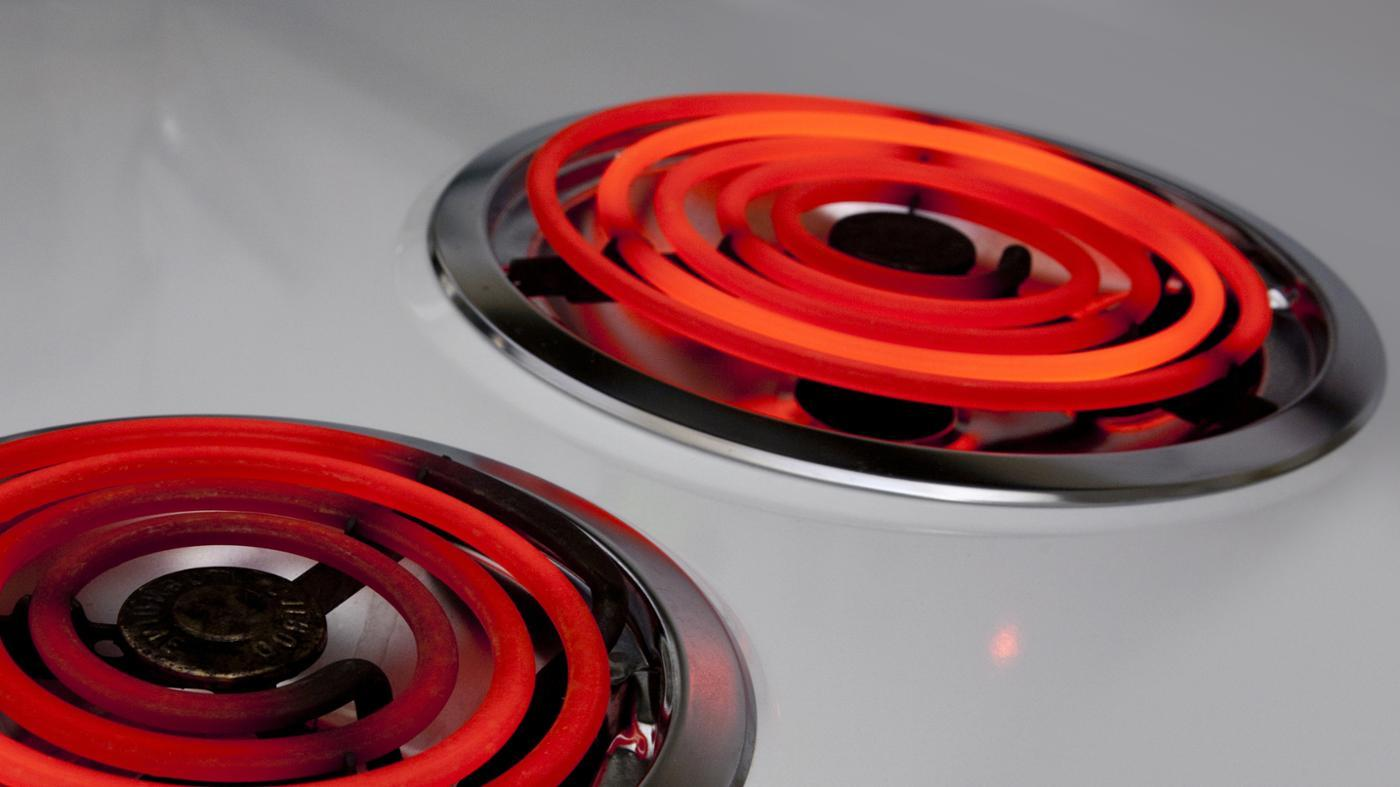 How Do You Reduce Wattage Use on an Electric Stove?
