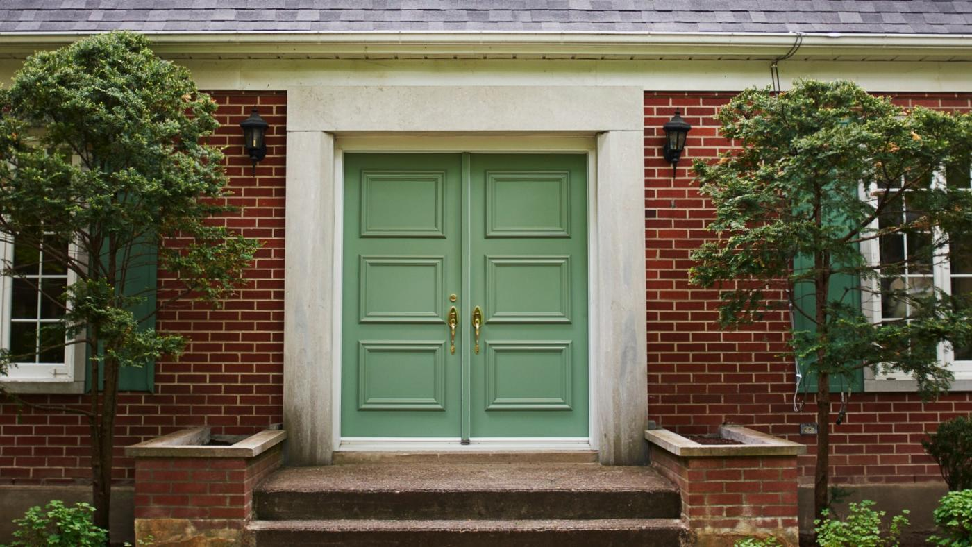 How Do You Remove Mold and Mildew From Exterior Doors?