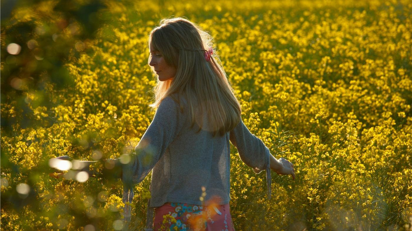 How Do You Remove Pollen Stains?