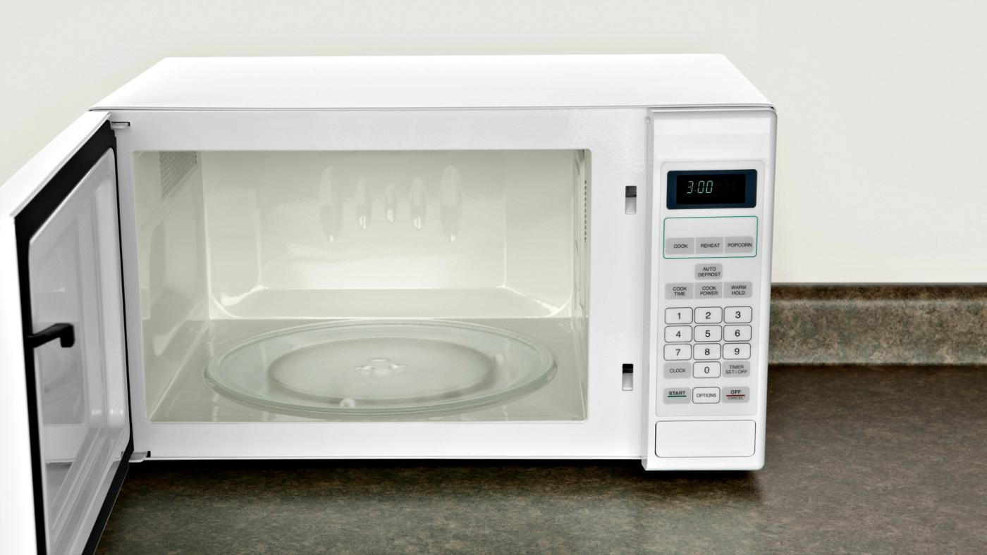 How Is a Fuse on a Microwave Replaced?