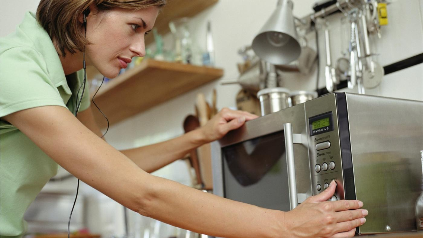 How Do You Replace the Light Bulb in a Microwave Oven?