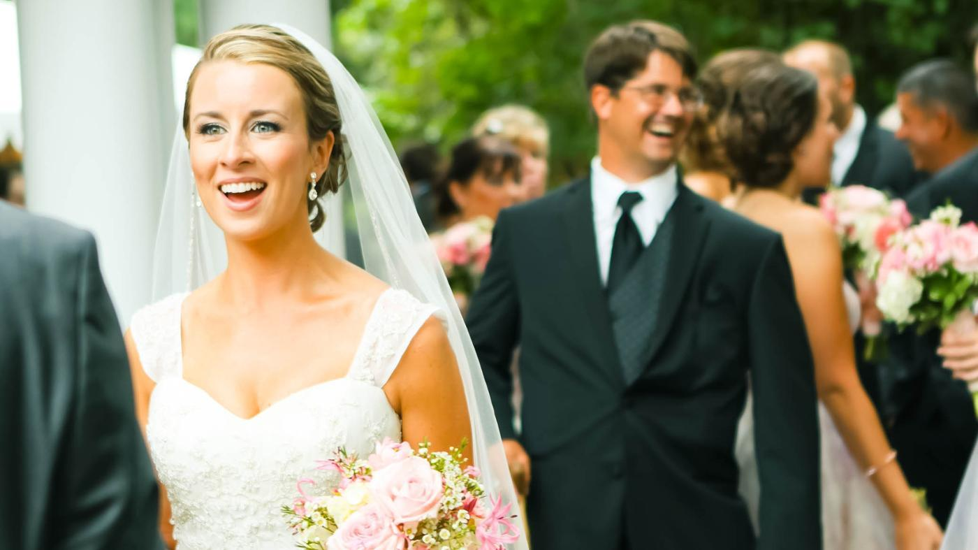 What Are the Rules of Etiquette for Wording a Wedding Invitation?