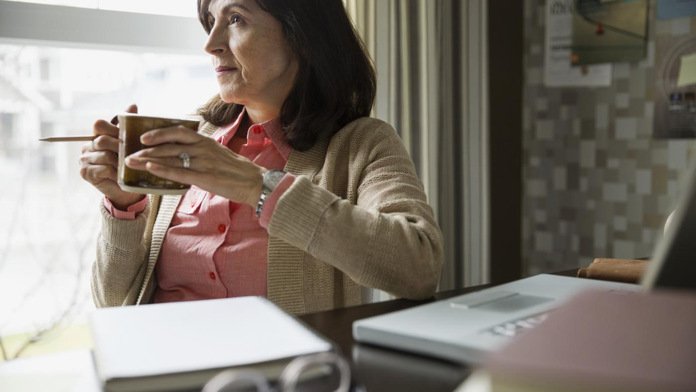 What Are the Rules for Withdrawing Money From a 403(b) Tax-Deferred Retirement Plan?