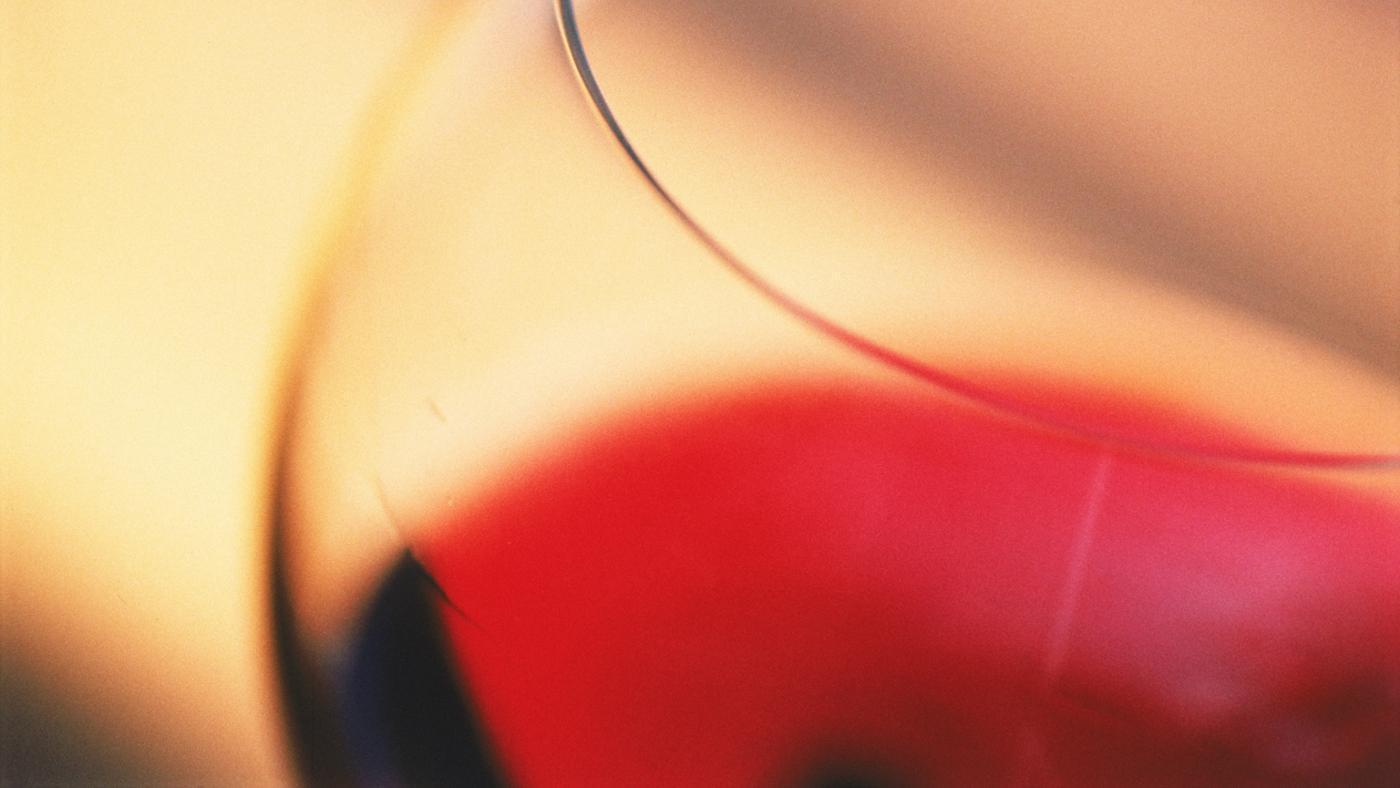 What Does Shiraz Wine Taste Like?