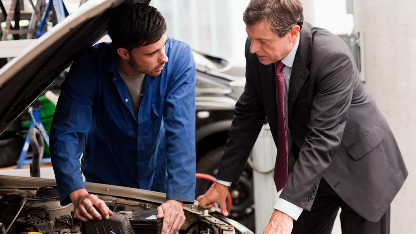 What Are Some Signs of Having Transmission Problems?
