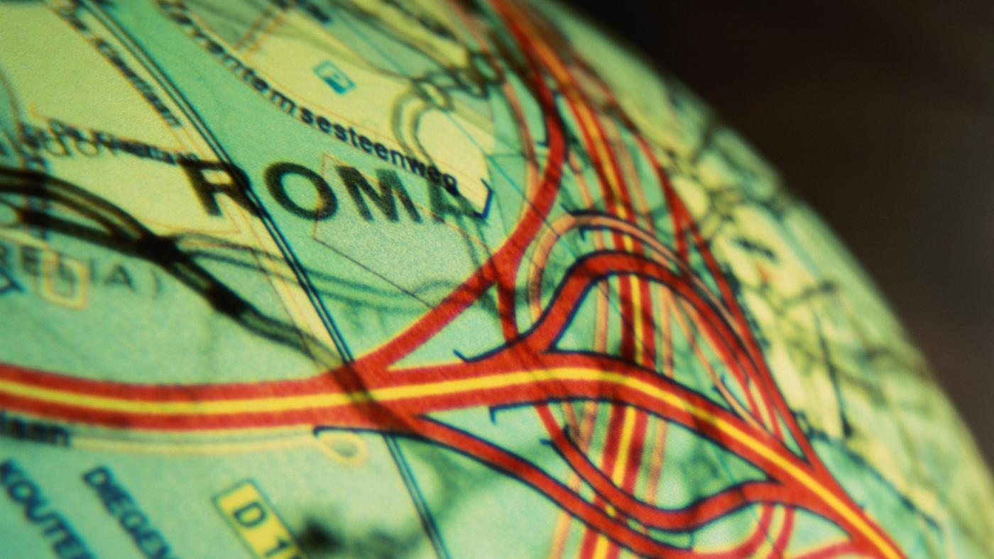 How Is the Geography of Rome Similar to the Geography of Greece?