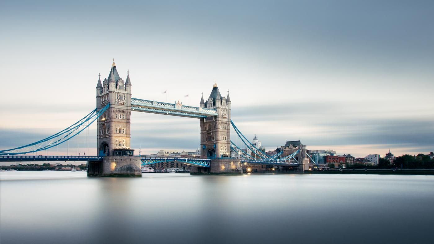 What Is the Size of London, England?