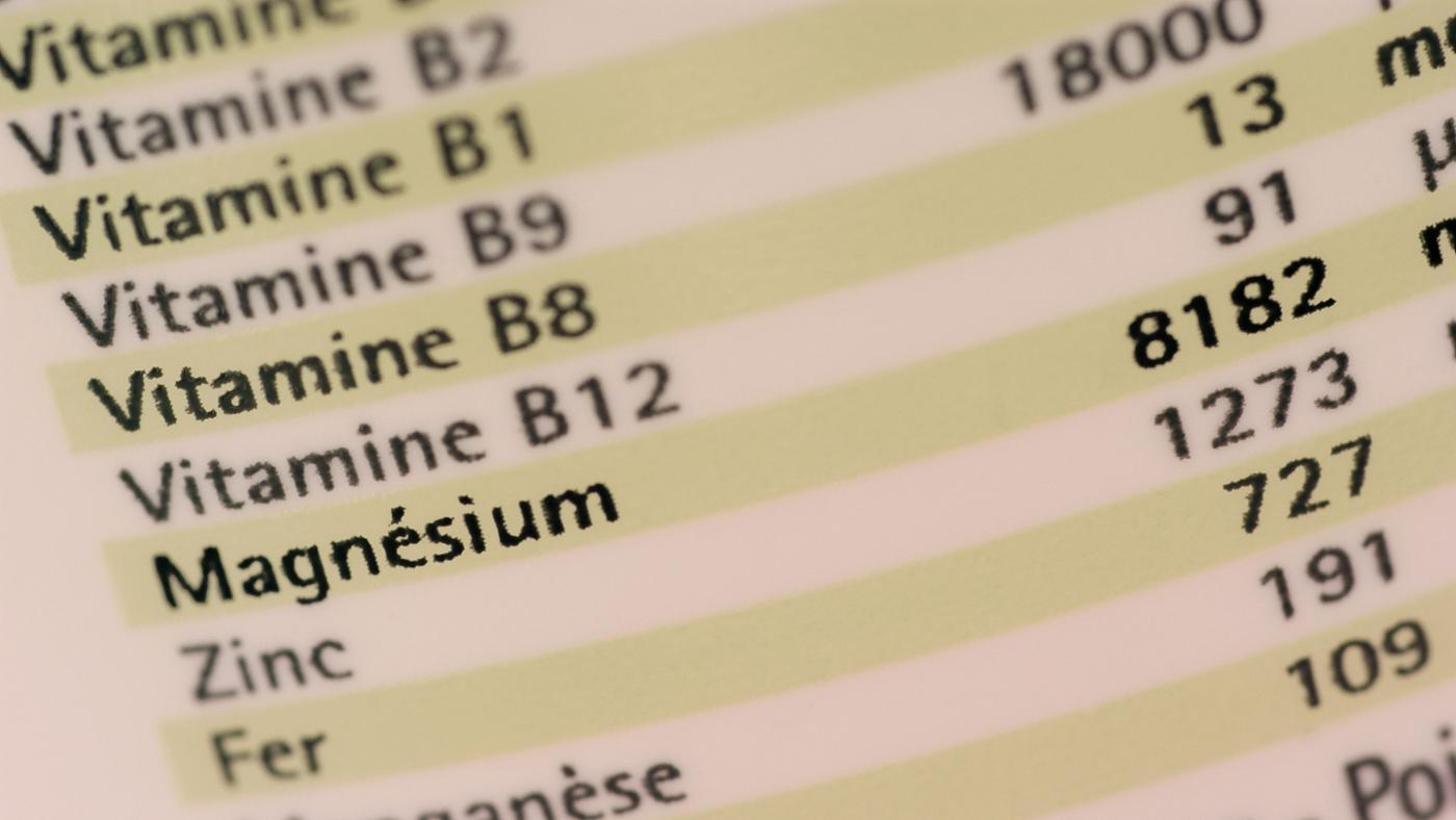 What Are Symptoms of Vitamin B12 Deficiency?