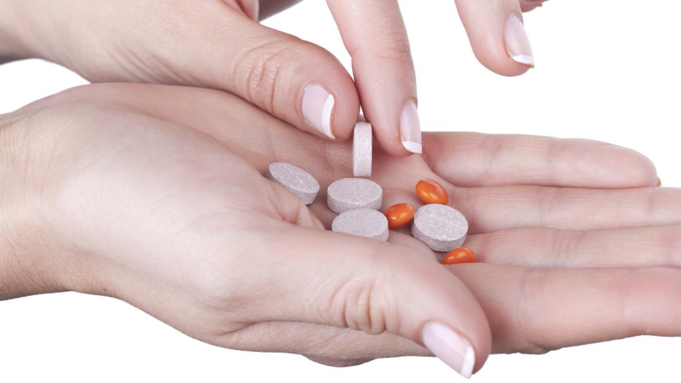 What Are the Symptoms of Vitamin B12 Overdose?