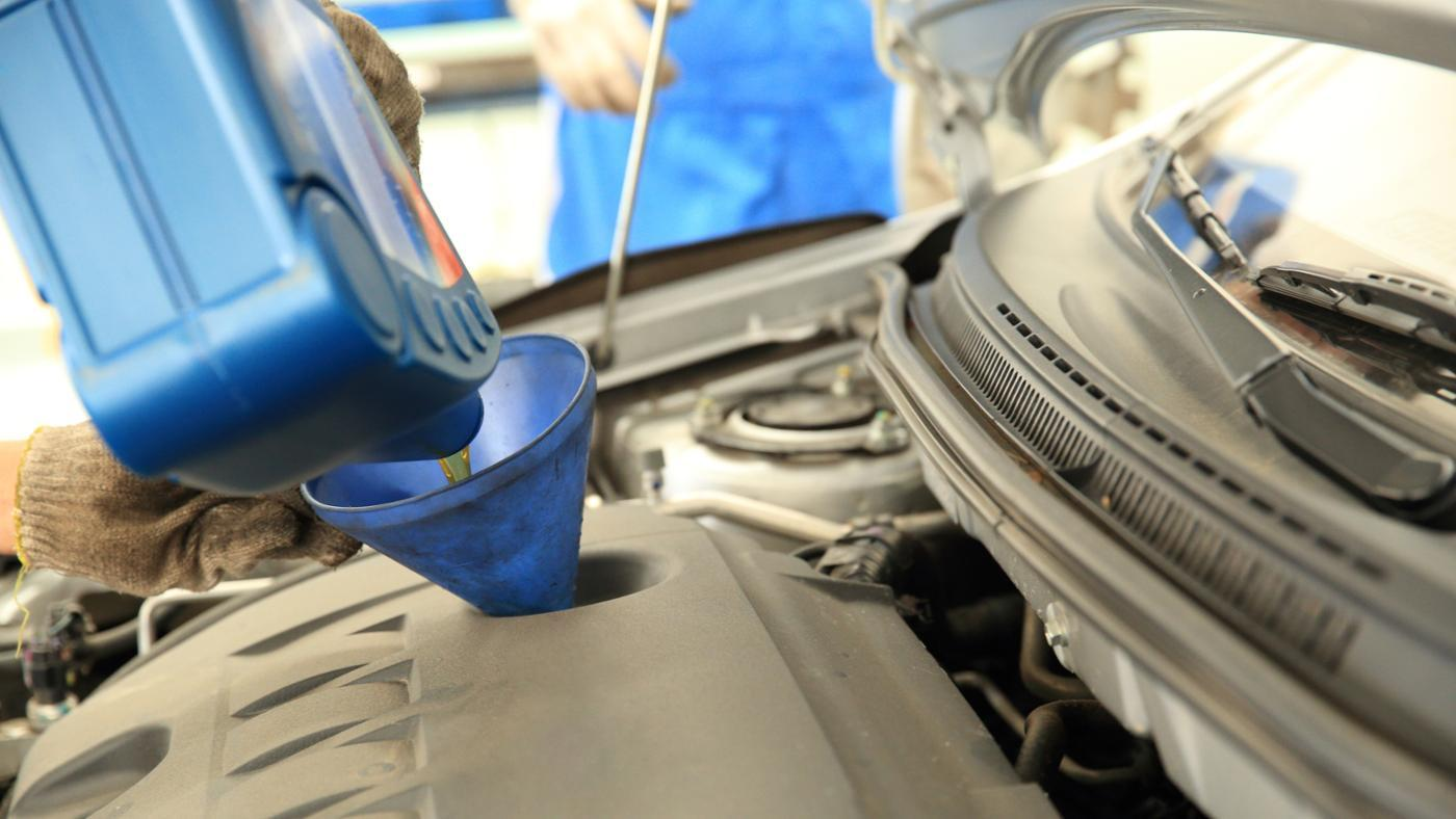 What Is the Best Synthetic Motor Oil?