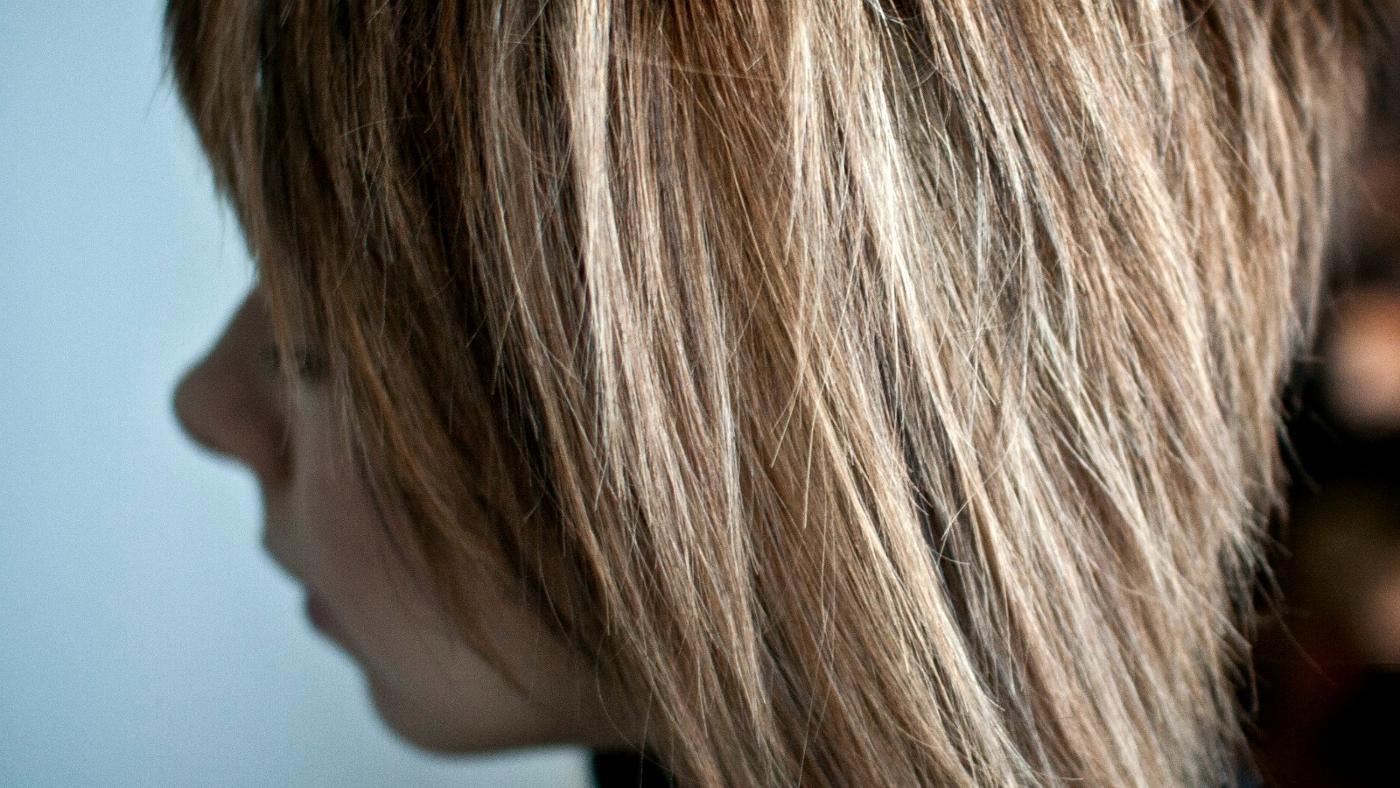 How Do I Tone Down My Hair Highlights?