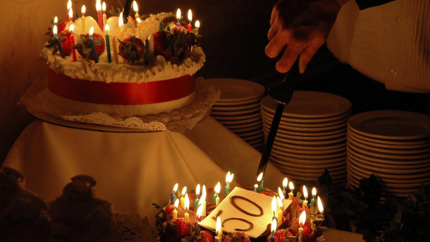 What Are Some Traditional Gifts for a 50th Birthday?