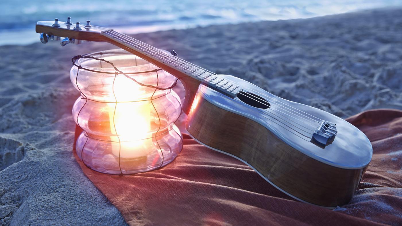 How Do You Tune Ukulele Strings?