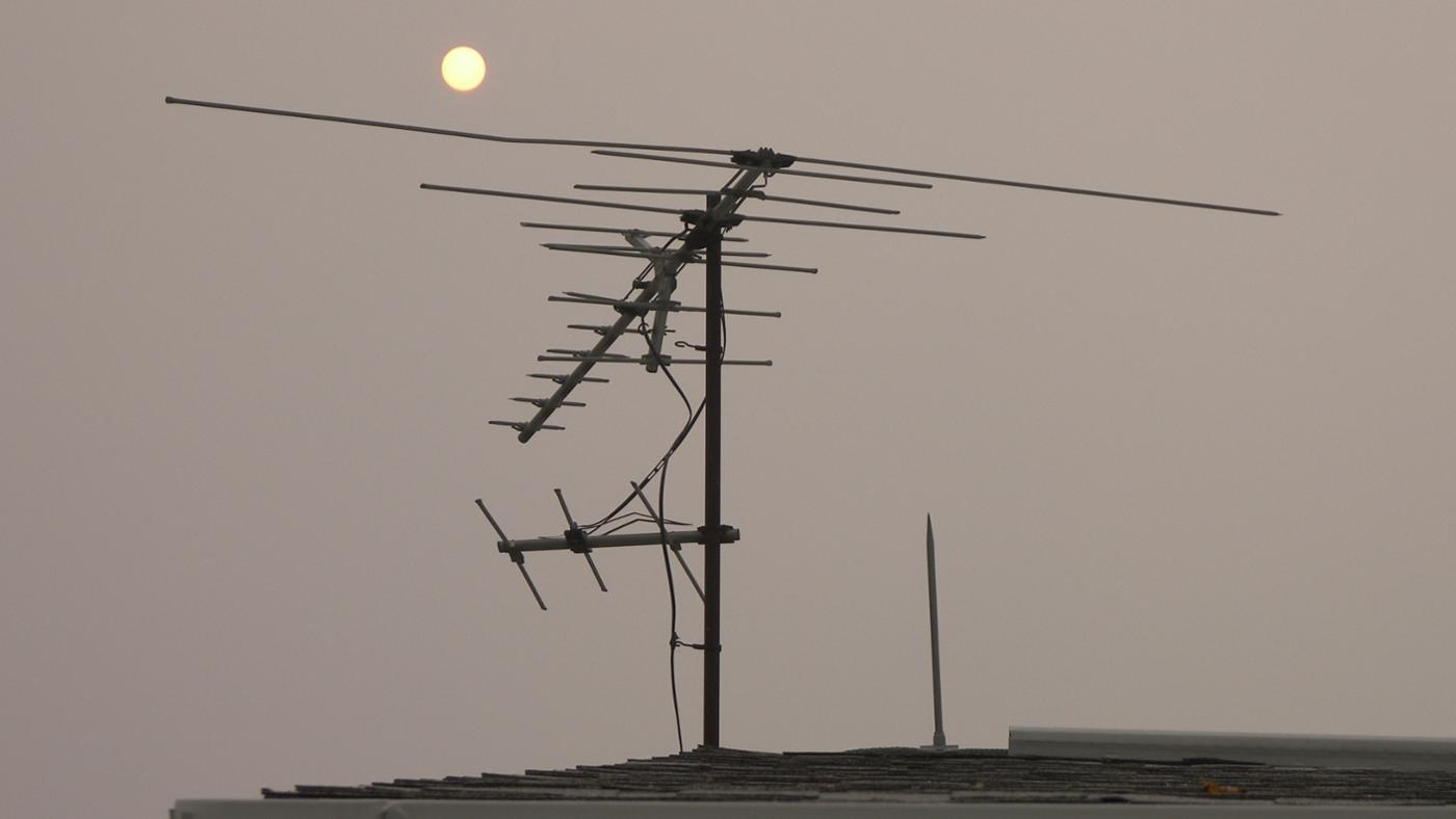 How Do You Find Free TV Channels With an Antenna?