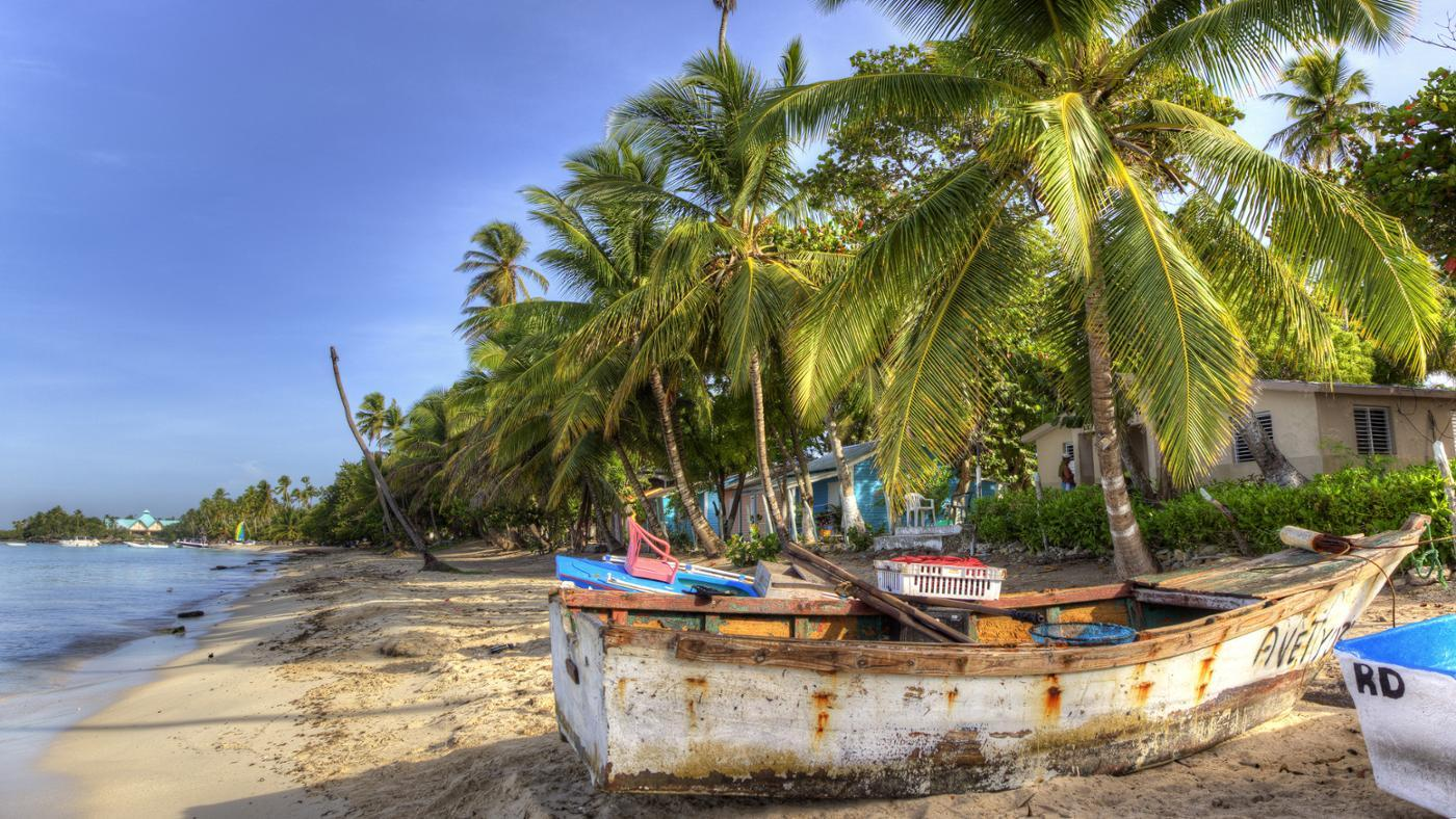 What Two Countries Share the Island of Hispaniola?