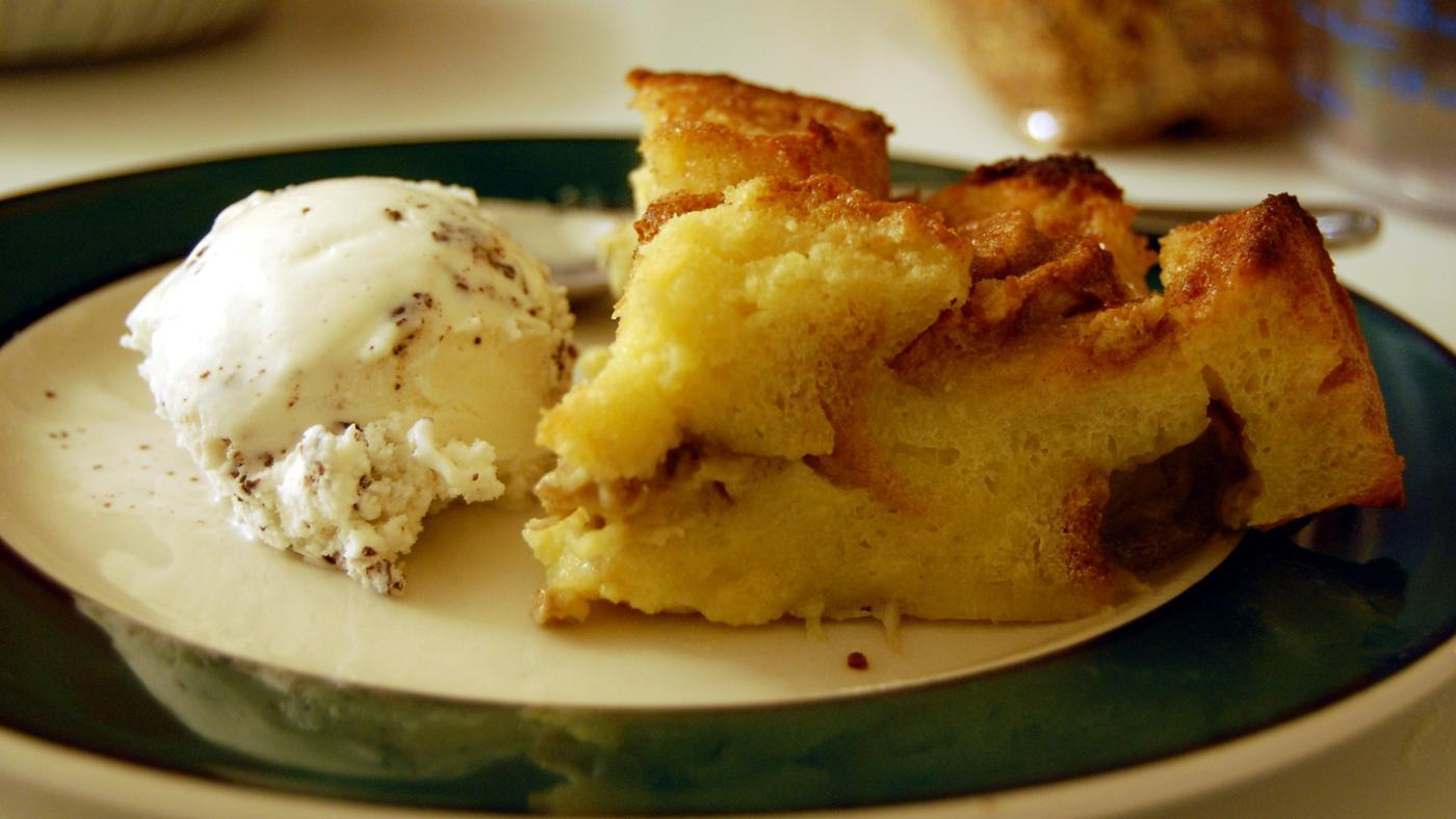 What Types of Bread Are Best for Bread Pudding?